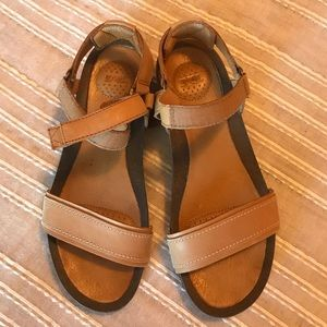 Tan Velcro Teva Sandals Size 8